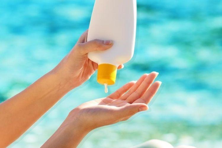 7 Zat Berbahaya Dalam Sunscreen yang Sebaiknya Dihindari