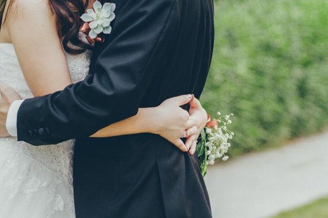 Bukan Terlambat, Menikah di Usia 30 Justru Punya 7 Keuntungan Ini!