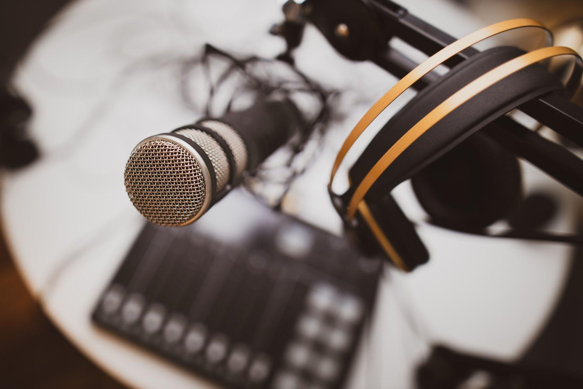 7 Trik Membuat Podcast Keren dan Menarik