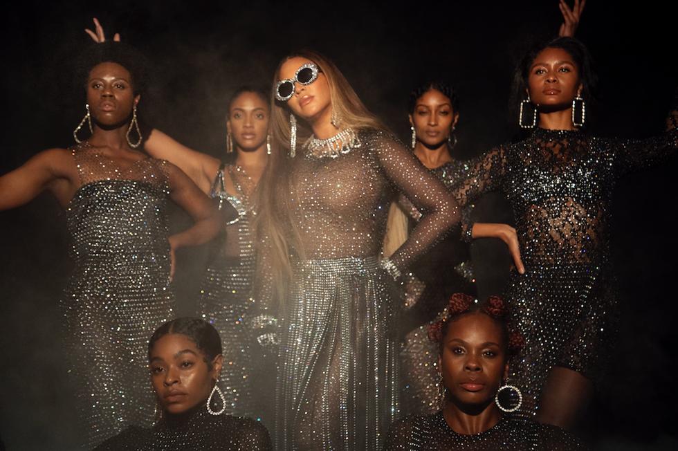 10 Outfit Terbaik Beyoncé dalam Album Visual Black is King