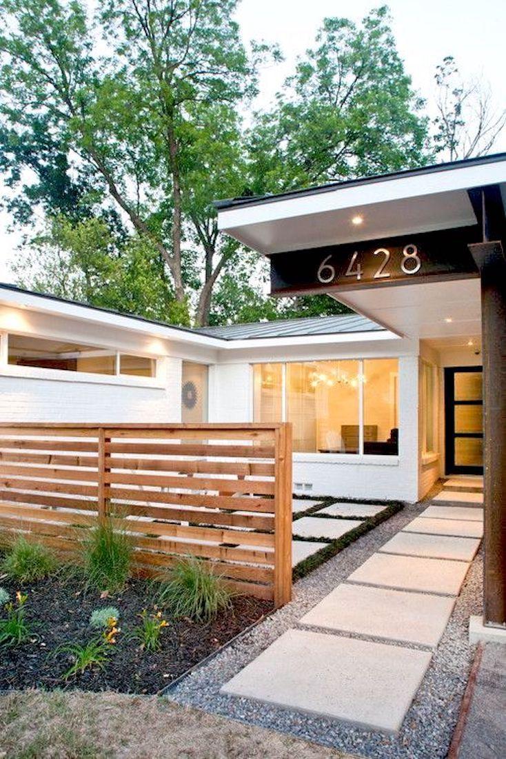 Rumah Tampil Unik dengan 9 Desain Pagar Kayu Minimalis Modern