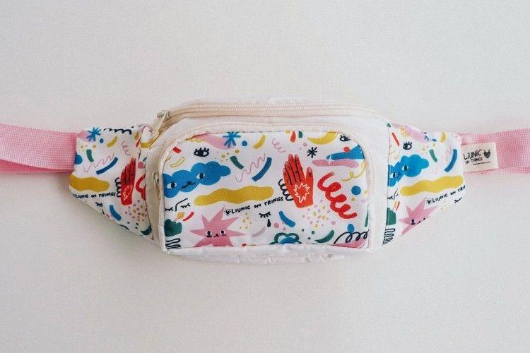 #PopbelaOOTD: Kece Pakai Fanny Pack dari Brand Lokal