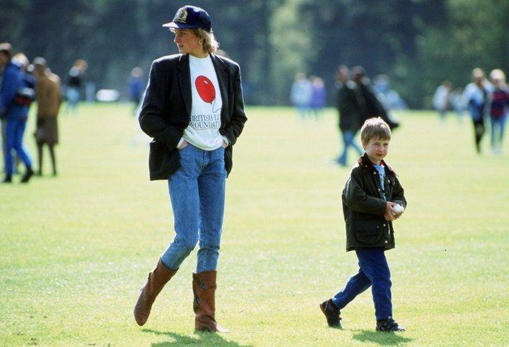 OOTD Pakai Celana Jeans yang Bisa Kamu Tiru dari Putri Diana