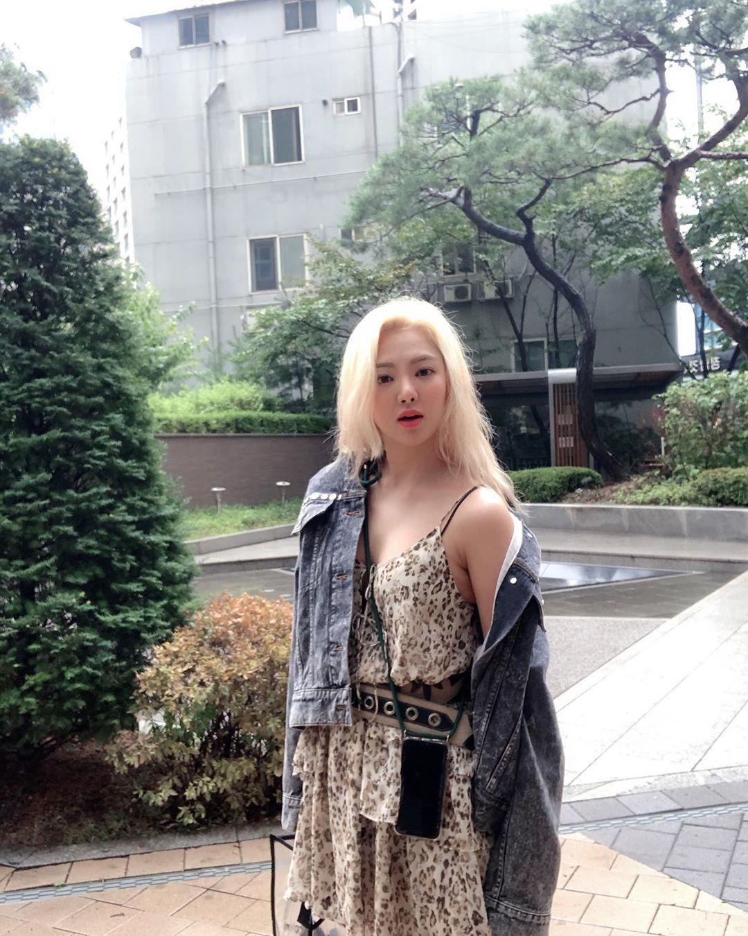 Intip Gaya Hyoyeon SNSD yang Keren Sekaligus Seksi