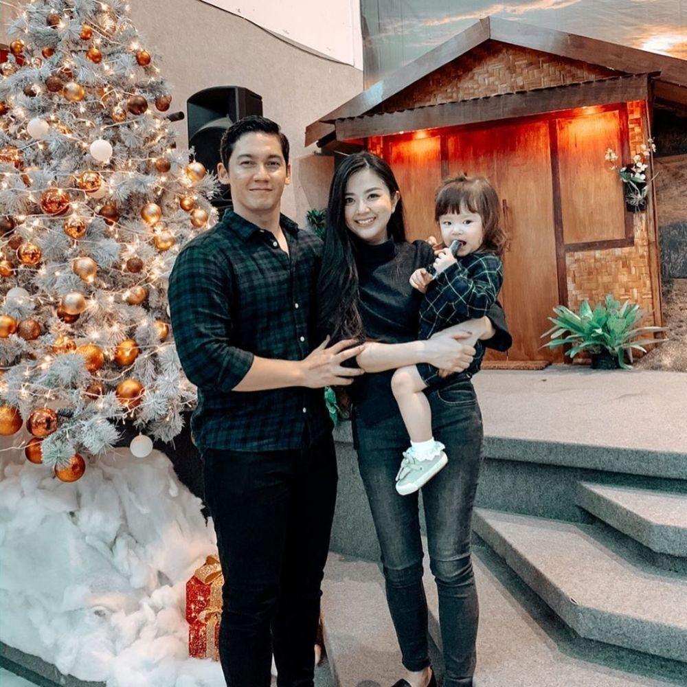 9 Artis Indonesia yang Memutuskan Pindah Agama Kristen