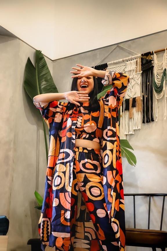 #PopbelaOOTD: Deretan Outerwear dengan Motif Paling Playful!