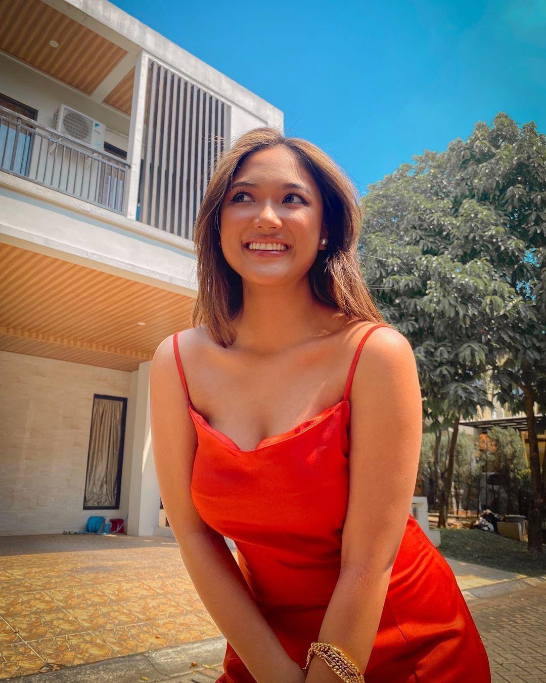 Masih 20 Tahun, Ini Potret Sensual Marion Jola di Media Sosial