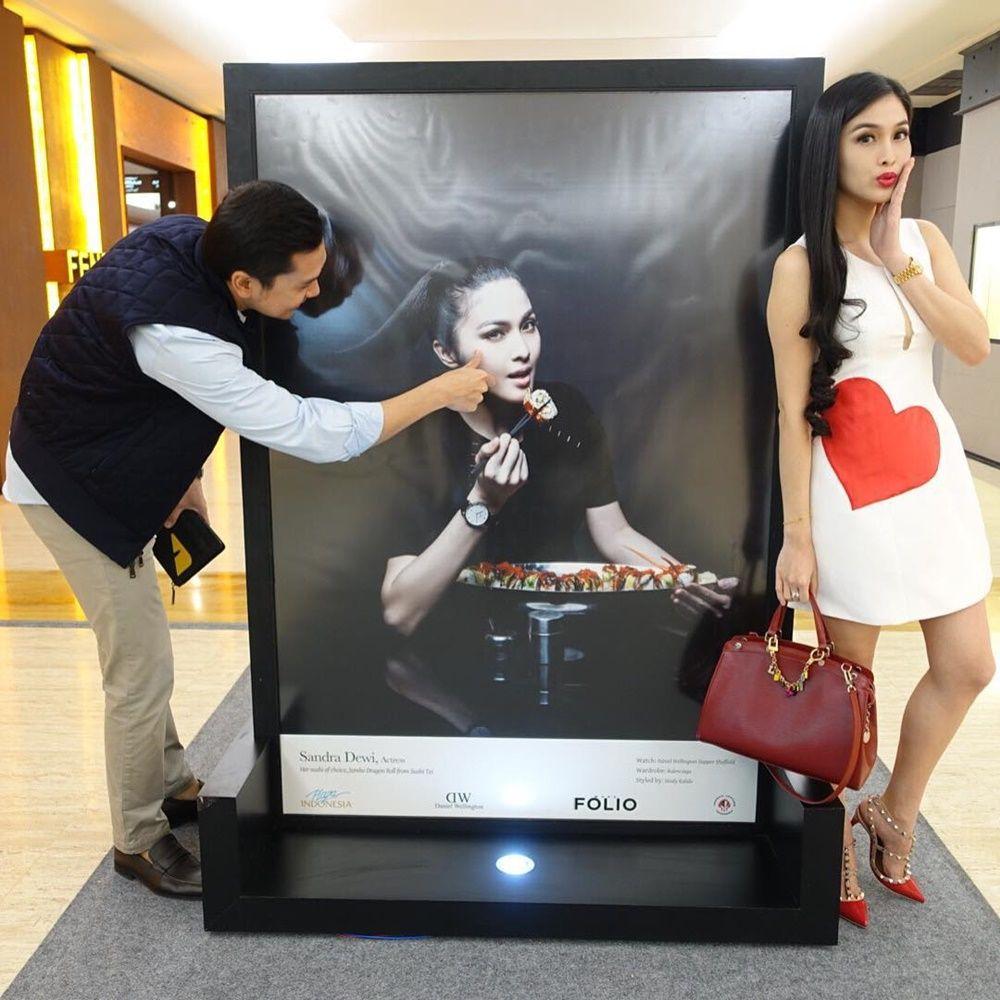 So Sweet! 10 Foto Kenangan Masa Pacaran Sandra Dewi dan Harvey Moeis