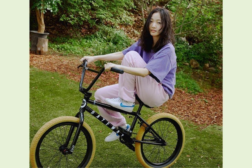 Punya Body Goals, Begini 10 Potret Seleb Korea Ketika Berolahraga