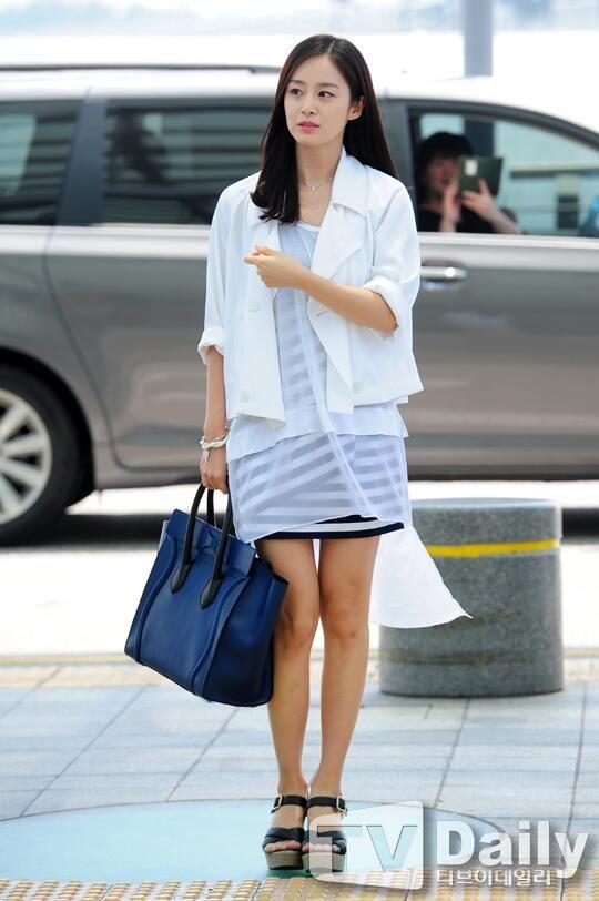 Gaya Kim Tae Hee di Usia 40 Tahun, Makin Memesona!
