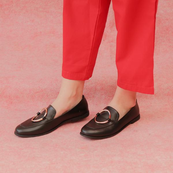 #PopbelaOOTD: Tampil Manis dengan Flat Shoes Brand Lokal