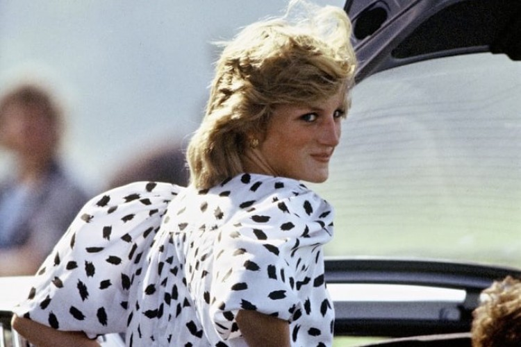 Deretan OOTD Musim Panas a La Putri Diana, Tiru Yuk!