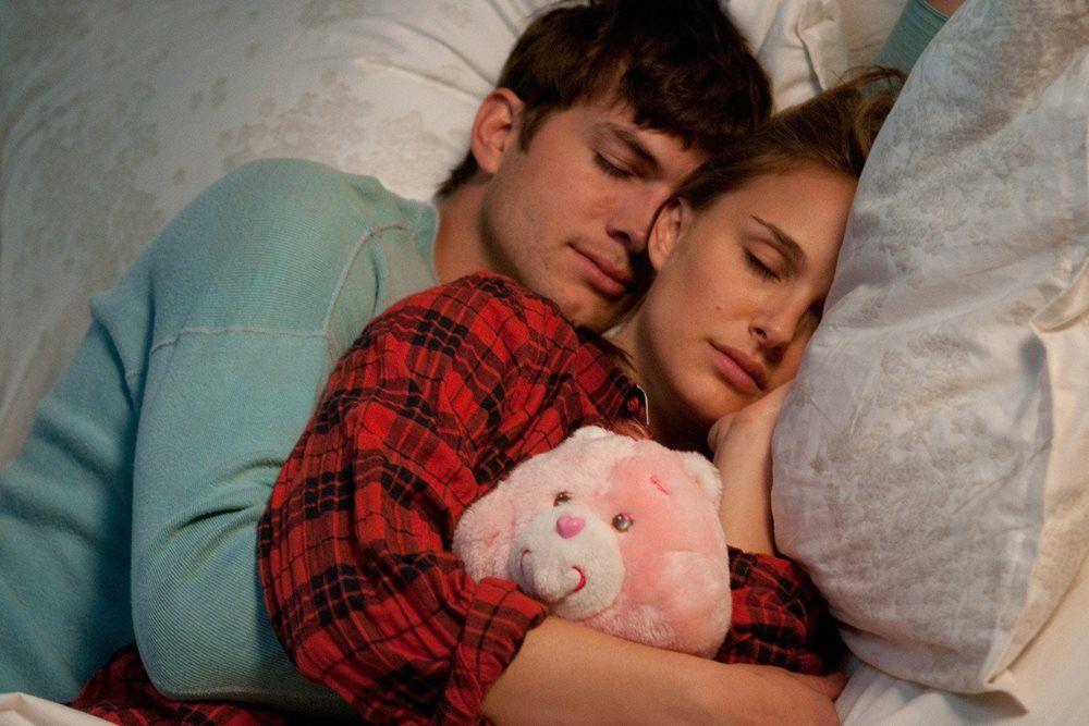 Bawa Keajaiban Film ke Ranjang dengan 5 Posisi Seks Ini