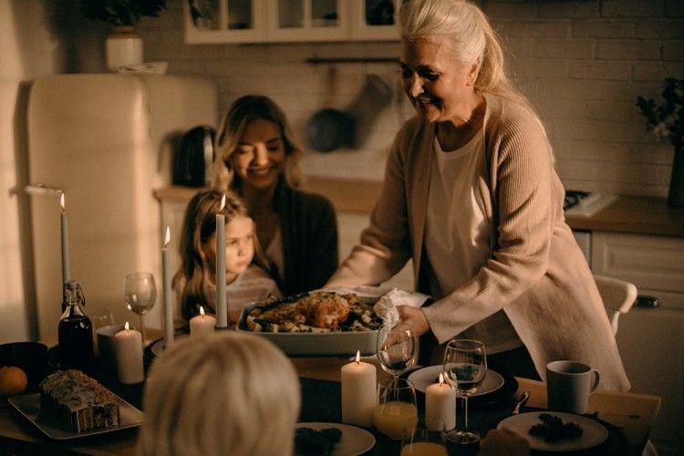 Terapkan 7 Cara Ini Untuk Menghadapi Mertua yang Tidak Menyukai Kamu