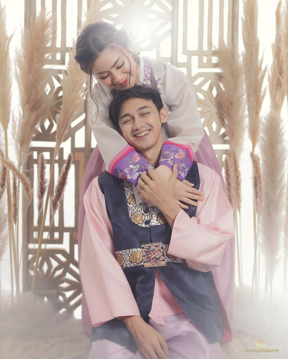 Bak Pasangan Korea, 9 Foto Pre-Wedding Hito Caesar & Felicya Angelista