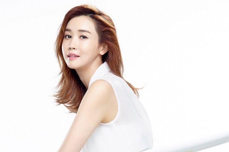 7 Perempuan yang Pernah Jadi 'Teman Dekat' Lee Dong Wook