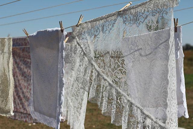 Tips Menjemur dan Mengeringkan Pakaian di Musim Hujan