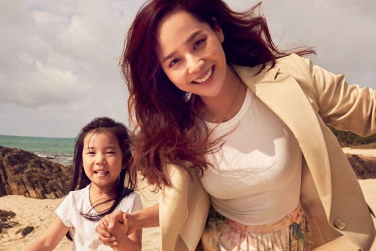 7 Potret Seleb Korea yang Tetap Memukau Walau Sudah Menjadi Ibu