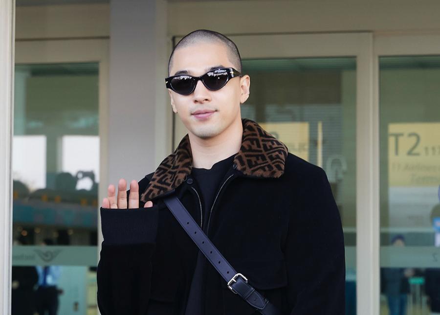 Kartu Elit Para Miliarder, Inilah 6 Idol Kpop yang Memiliki Black Card
