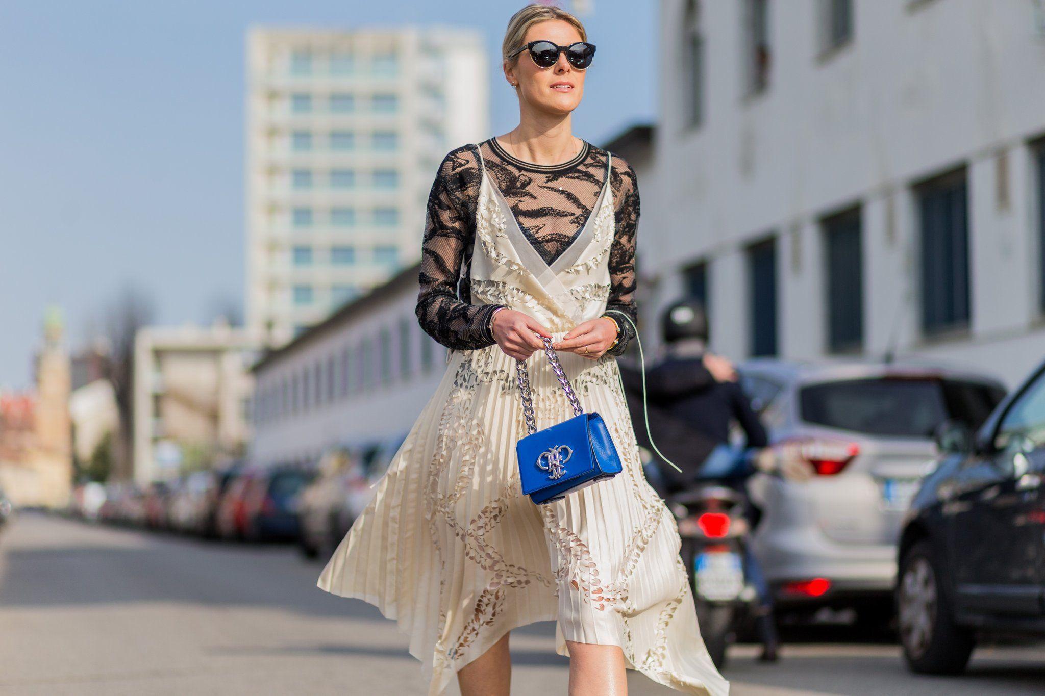 Tips Mengenakan Baju Sheer yang Sopan