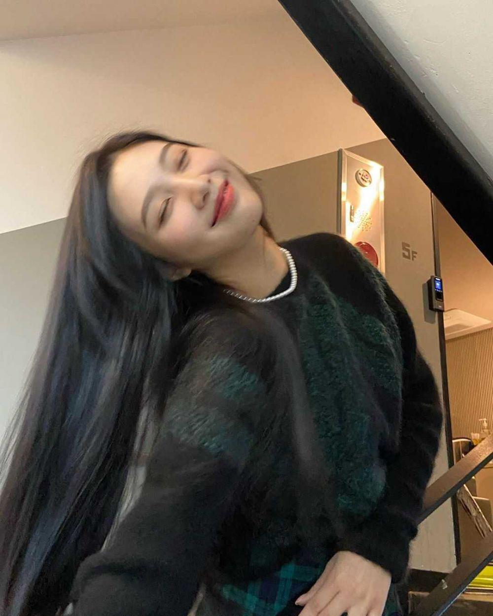 11 Idol Kpop Ini Punya Kebiasaan Tidur yang Aneh Banget, Jadi Gemas!