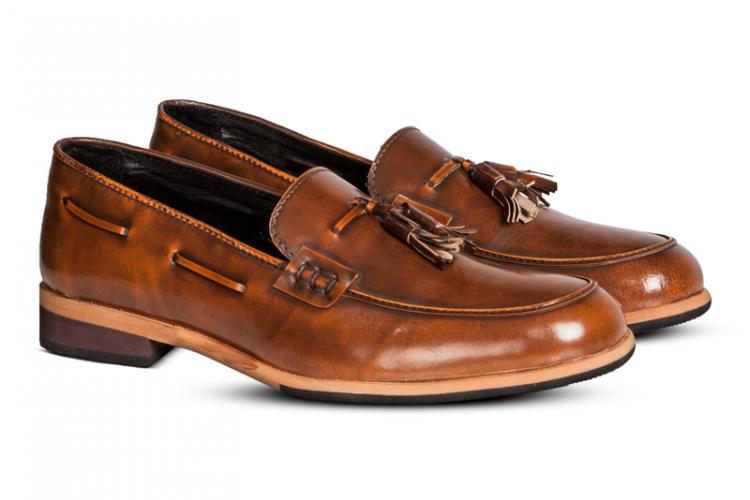 #PopbelaOOTD: Kumpulan Sepatu Warna Netral, Jadi Andalan Sehari-hari