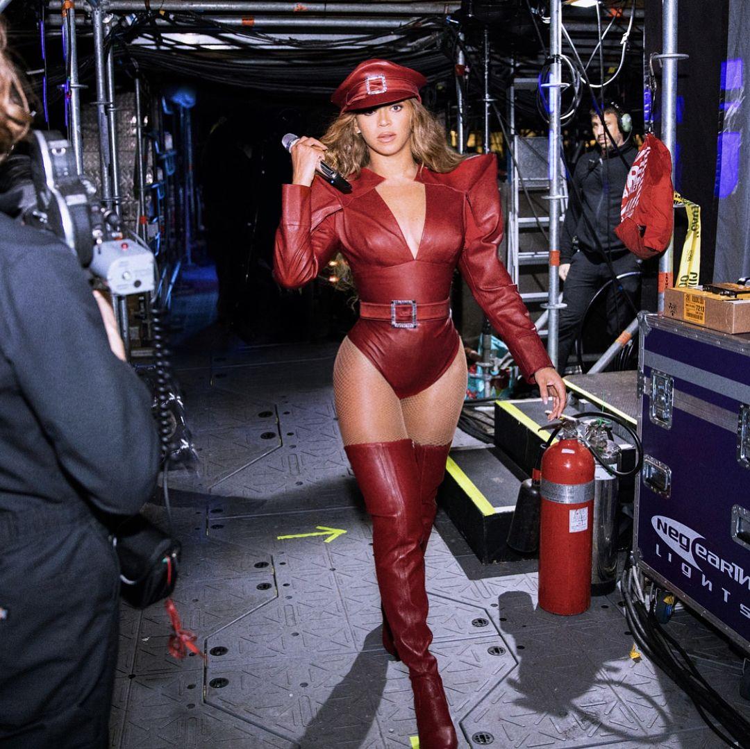 Menginjak 39 Tahun, Intip Gaya Seksi Beyoncé yang Viral