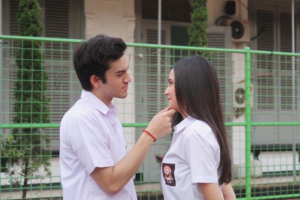 Cinta Lokasi, Intip 9 Gaya Pacaran Syifa Hadju dan Rizky Nazar
