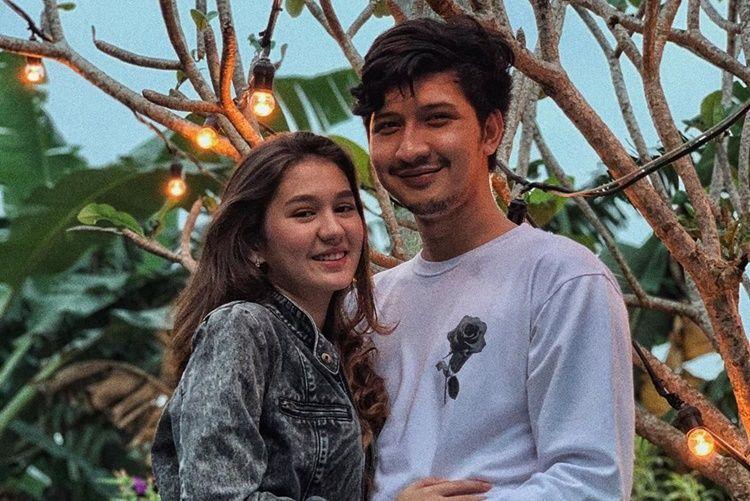 9 Pasangan Artis Muda yang Sering Pamer Kemesraan di Media Sosial