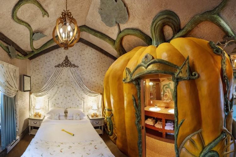 Super Gemas! Kamar Hotel Ini Bertema Cinderella