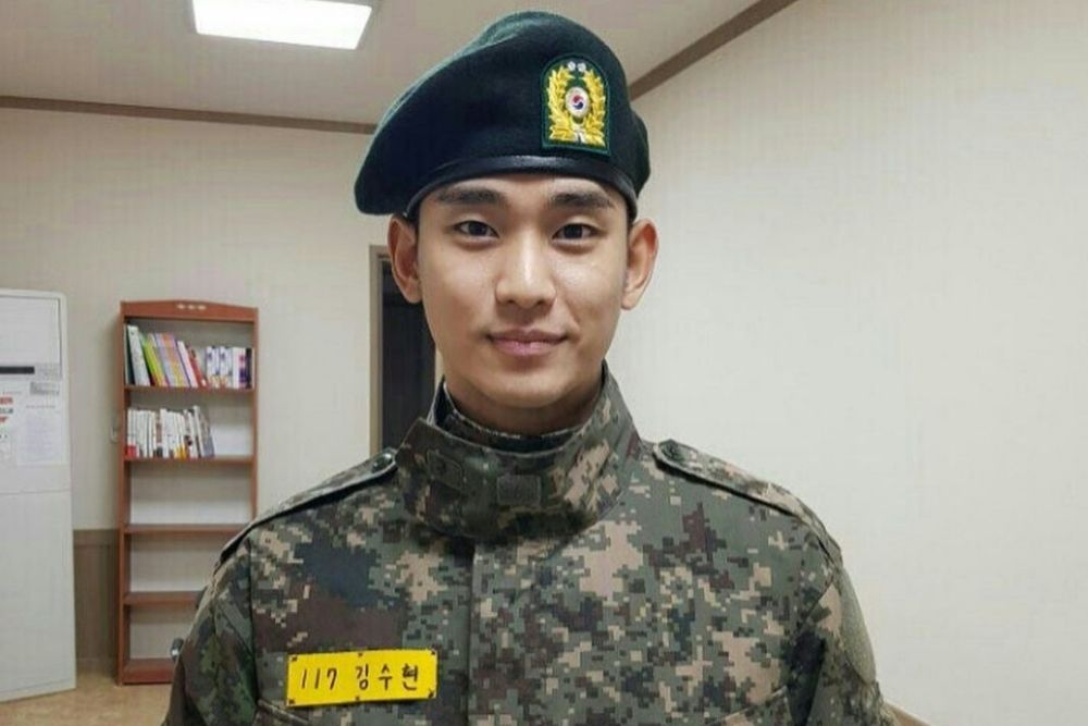 9 Potret Aktor Korea Ketika Jalani Wajib Militer, Makin Gagah!