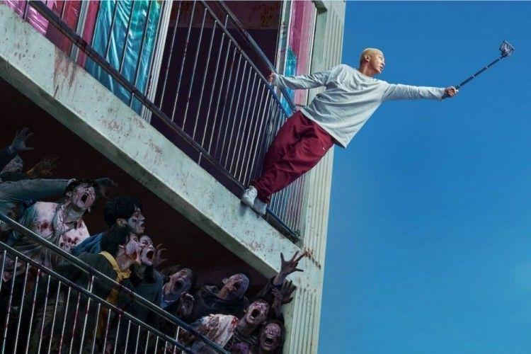Review #ALIVE: Penyelamatan Diri dari Wabah Zombie yang Masuk Akal