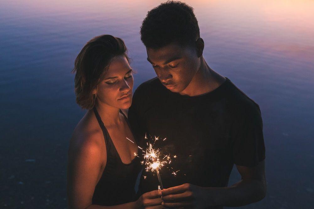 Kenali 15 Tanda Pasanganmu Pernah Mengalami Toxic Relationship