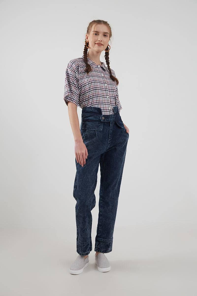 #PopbelaOOTD: Kumpulan Celana Jeans High Waist dari Brand Lokal
