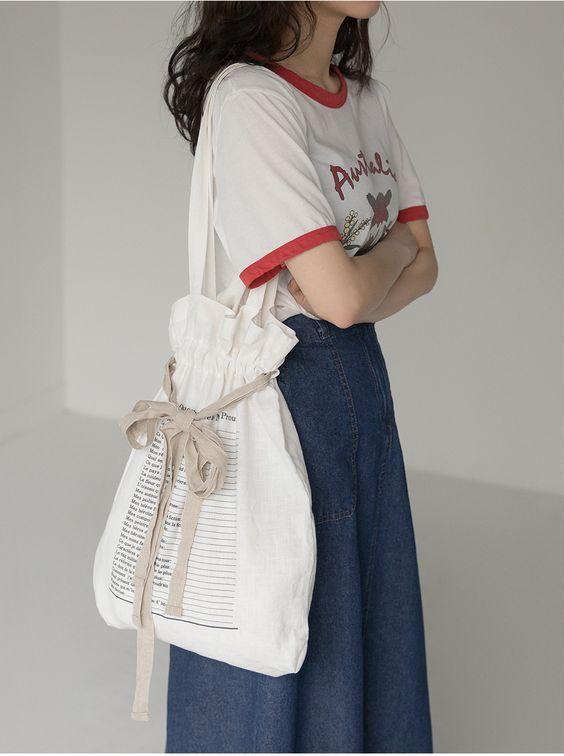 Tampil Lebih Girly Dengan Tote Bag Kesayangan