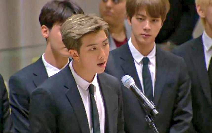RM BTS Ulang Tahun, Ini 10 Alasan Namjoon Terus Saja Memesona ARMY
