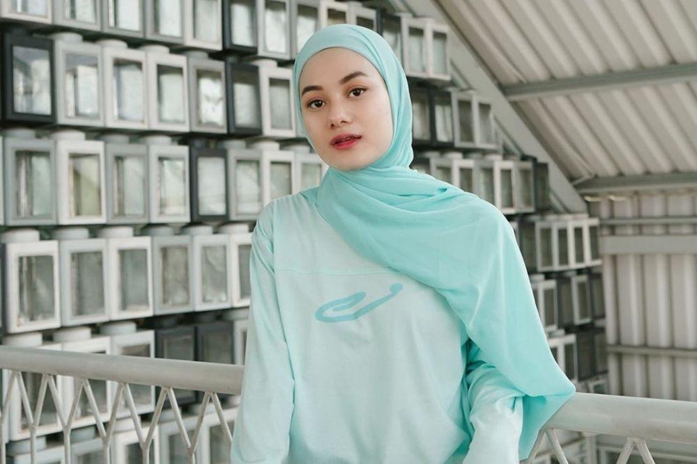 7 Potret Terbaru Dinda Hauw Setelah Menikah, Istri Idaman!