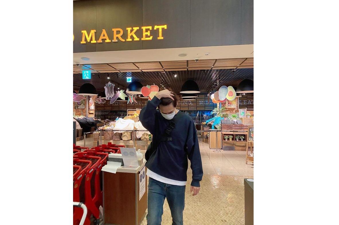 Kasihan Tapi Kocak, Lee Min Ho Datang ke Supermaket yang Masih Tutup