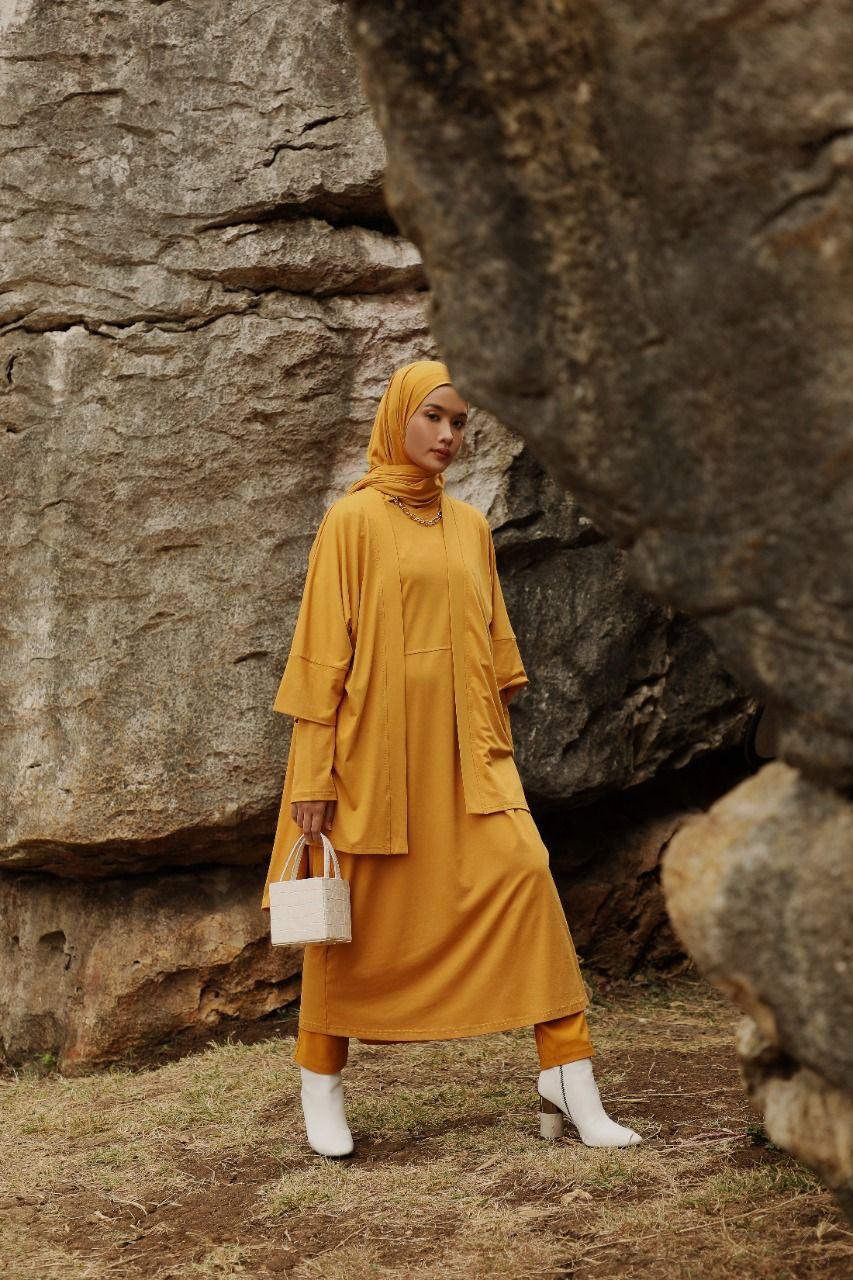 Pakaian Muslim nan Stylish, Hasil Kolaborasi Dauky dan Ana Octarina
