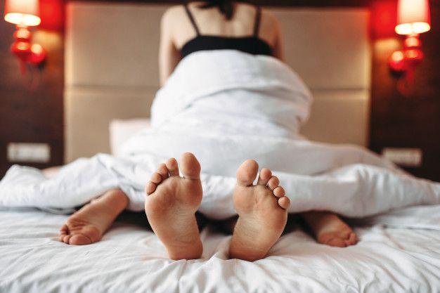 6 Cara Mudah 'Membumbui' Kehidupan Seks Selama Pandemi