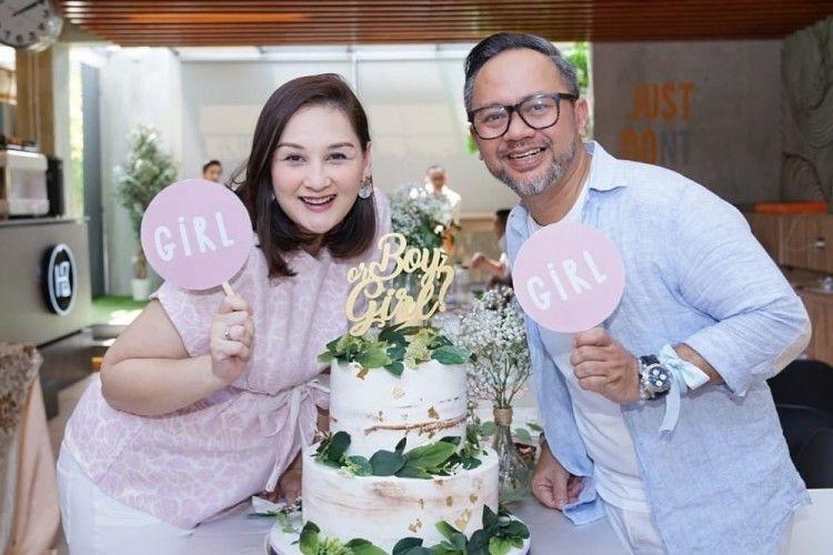 18 Tahun Menikah, 9 Potret Perjalanan Cinta Mona Ratuliu-Indra Brasco