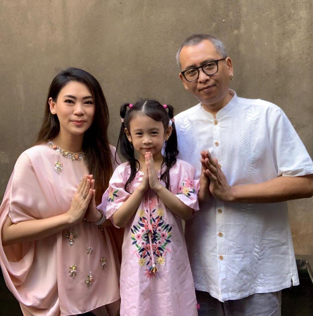 Marriage Goals! 11 Potret Mesra Jebolan Indonesian Idol dan Suami
