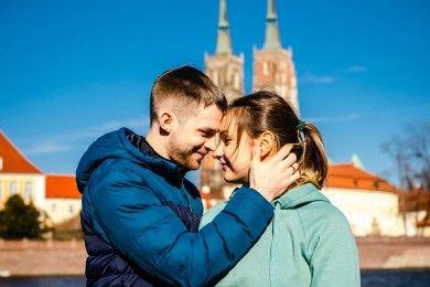 Bergantung Secara Finansial Pasangan Ini 6 Alasan Harus Berhenti