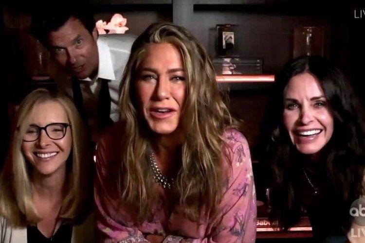 Ini 7 Momen Lucu di Emmy Awards 2020