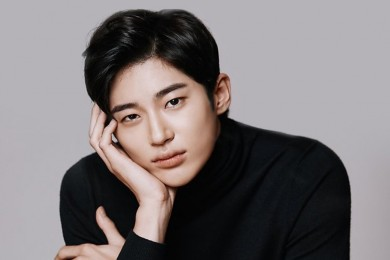 Bersiap Jatuh Hati, 8 Pesona Menawan Byeon Woo Seok Sulit Ditolak