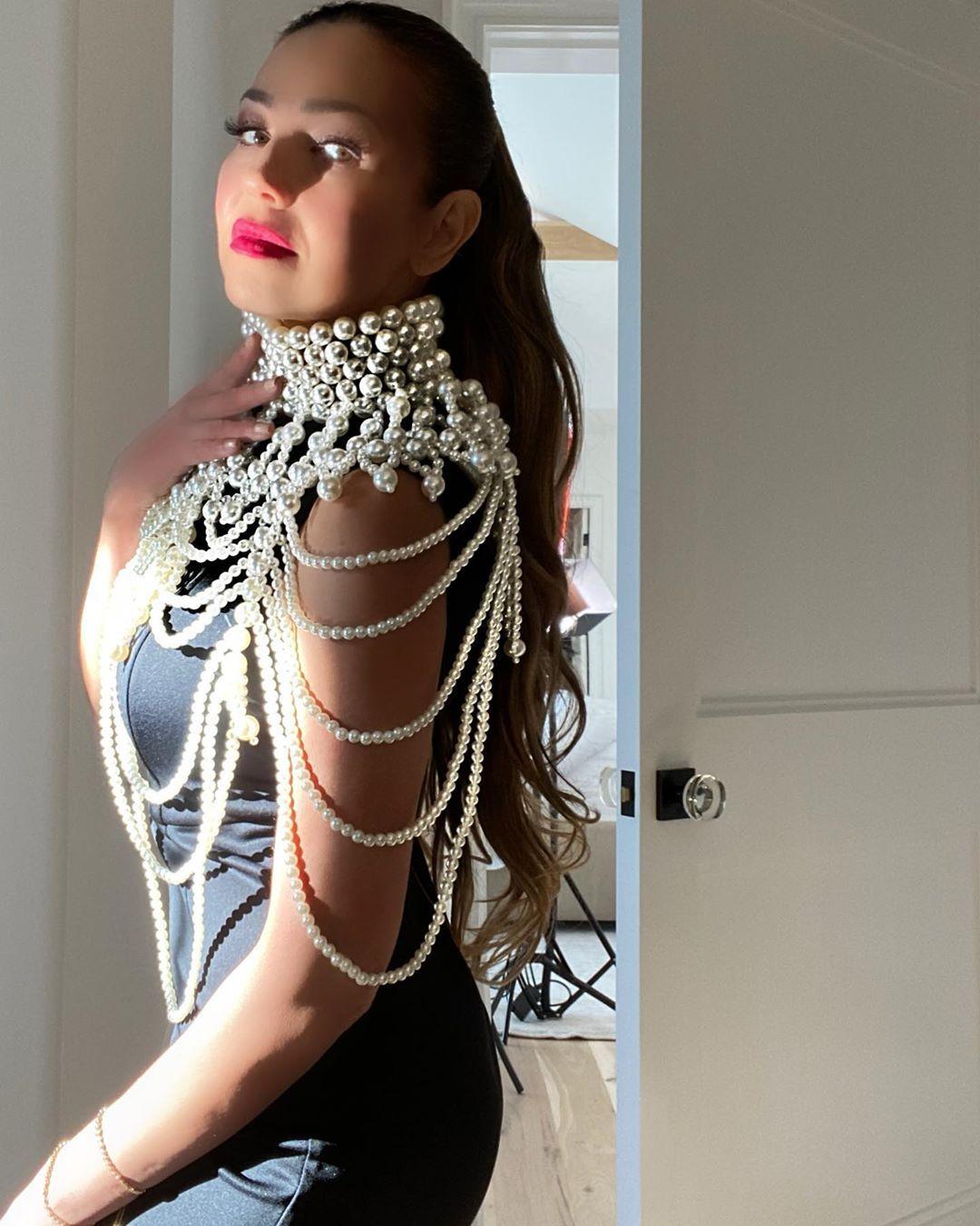Masih Seksi! Ini Gaya Thalía, Si Ratu Telenovela Tahun 90an