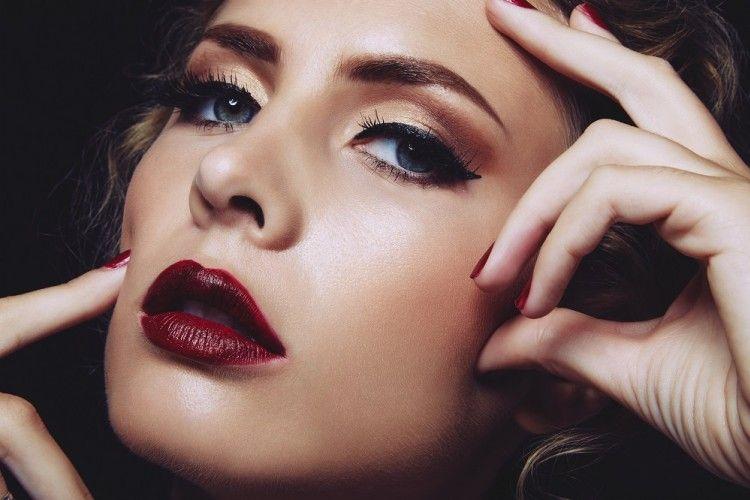 Tak Usah Sedih, Ini 5 Cara Perbaiki Lipstik yang Patah