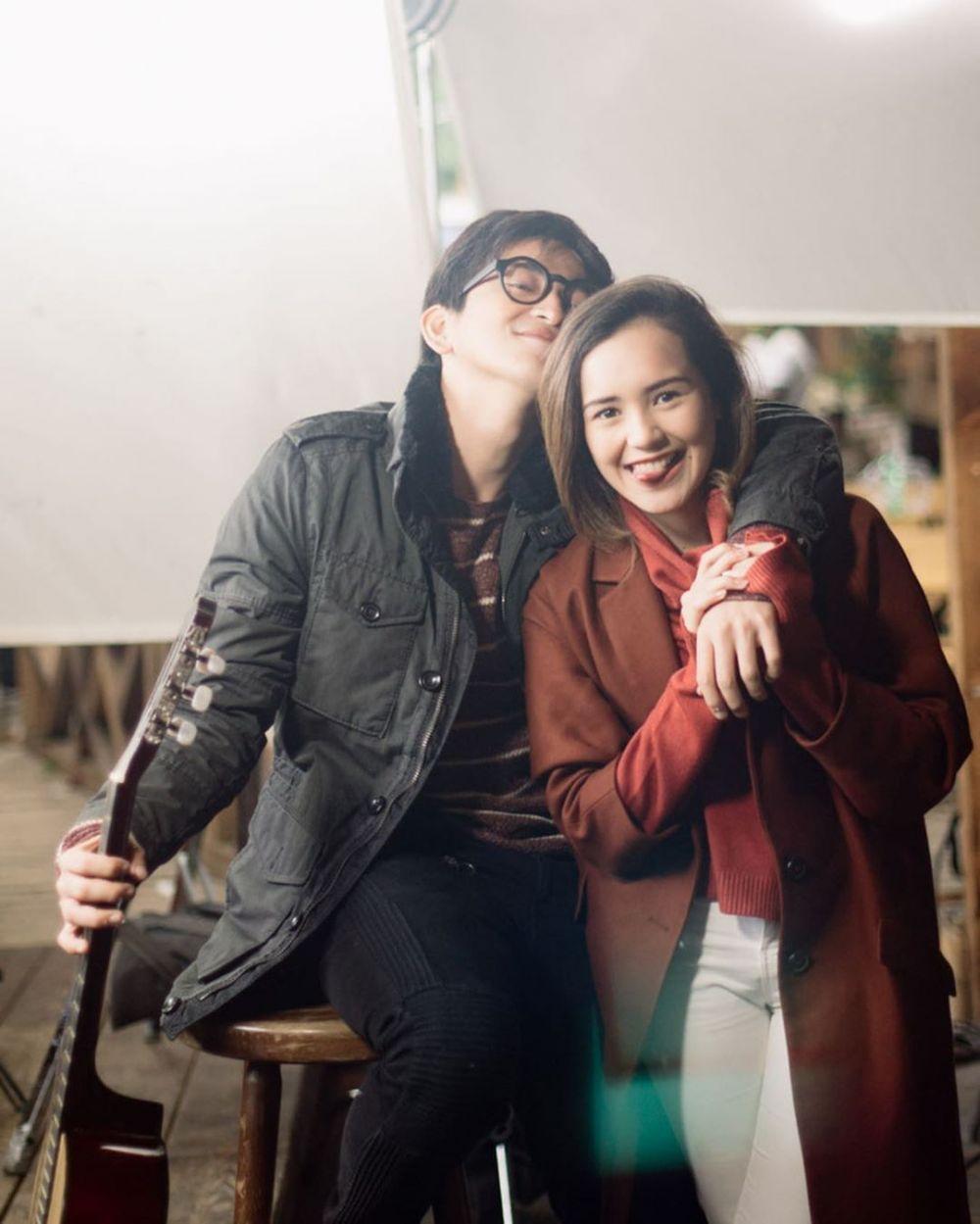 Bikin Geger! Kisah Cinta 9 Bintang Film yang Paling Disorot Tahun Ini