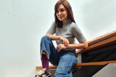 12 Gaya Andalan Najwa Shihab Sneakers-nya