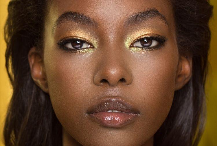5 Rekomendasi Warna Eyeshadow untuk Pemilik Kulit Sawo Matang